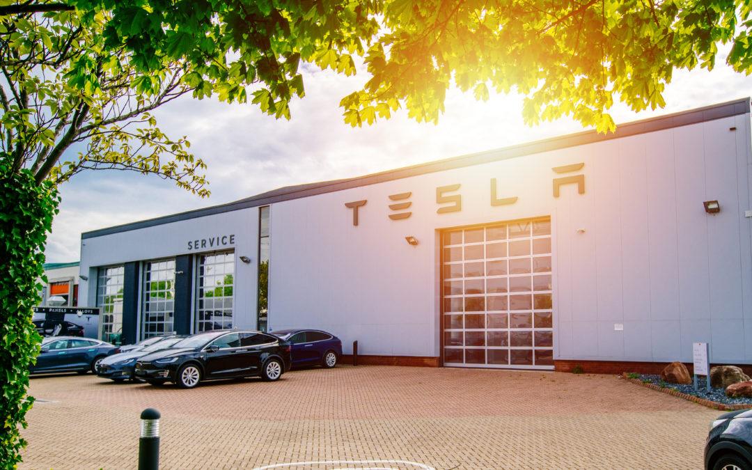 Tesla Solar Roof Shingles to Make a Splash in Custom Home Market